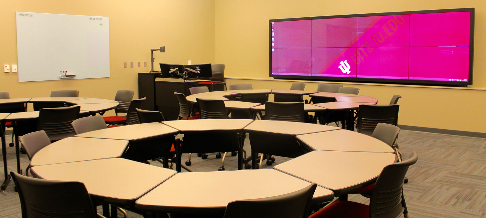 Collaborative Classroom Benefits ~ Immersive showcase classroom learning spaces
